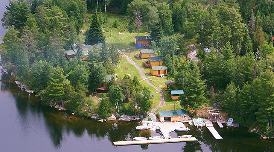 Atikwa Lake Lodge\n